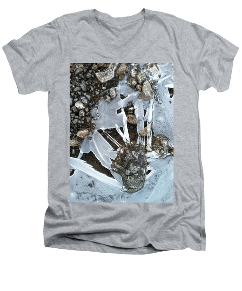 Claw Men's V-Neck T-Shirt