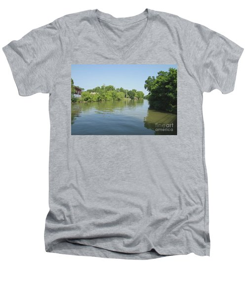 Men's V-Neck T-Shirt featuring the photograph Erie Canal by William Norton