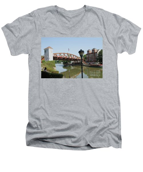 Men's V-Neck T-Shirt featuring the photograph Fairport Lift Bridge by William Norton
