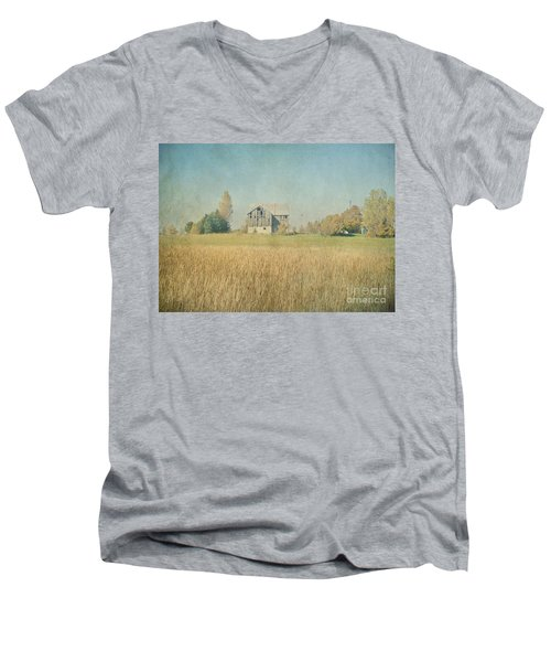 Farm House Men's V-Neck T-Shirt
