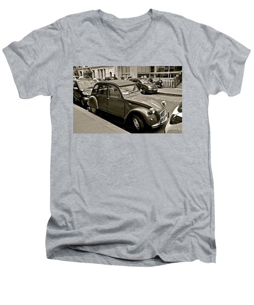 Men's V-Neck T-Shirt featuring the photograph Favored Car by Eric Tressler