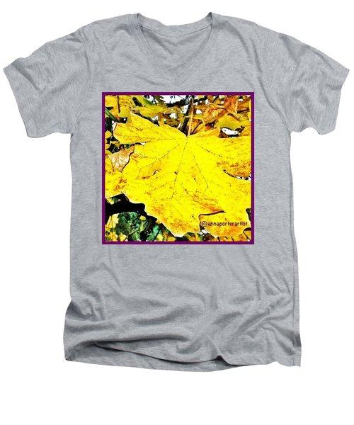 Giant Maple Leaf Men's V-Neck T-Shirt
