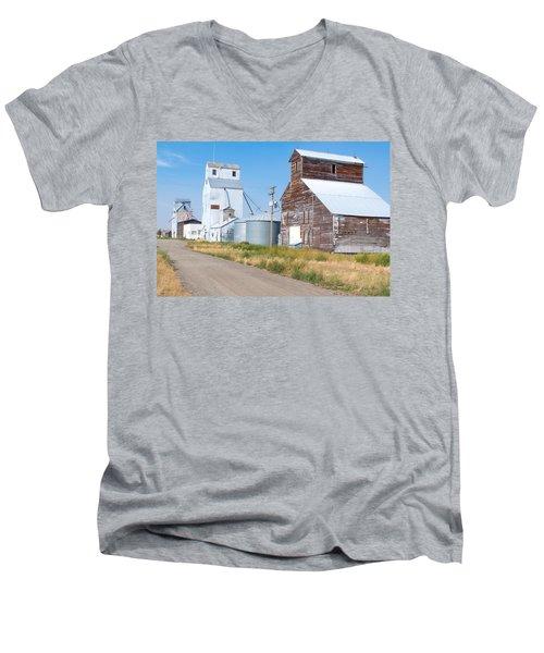 Grain Elevators Men's V-Neck T-Shirt