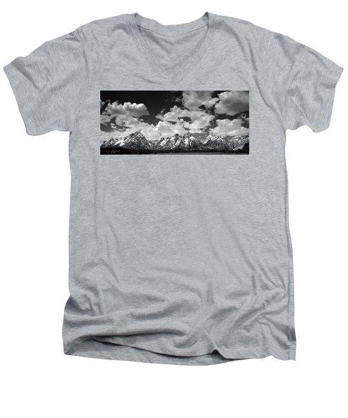 Grand Tetons Panorama In Monochrome Men's V-Neck T-Shirt