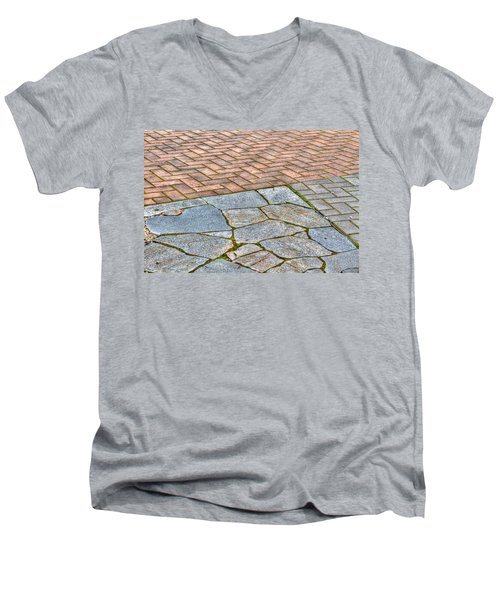 Street Design Men's V-Neck T-Shirt