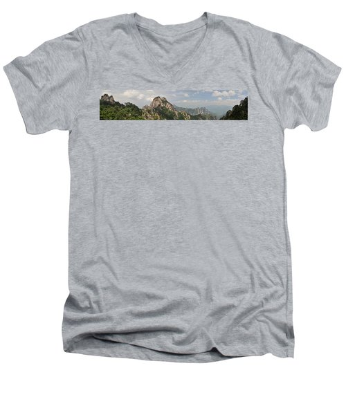 Huangshan Panorama 2 Men's V-Neck T-Shirt
