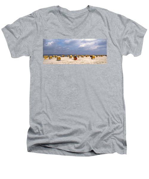 Laboe Beach ... Men's V-Neck T-Shirt