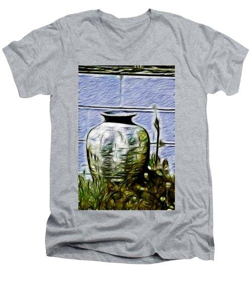 Mamas Old Vase Men's V-Neck T-Shirt
