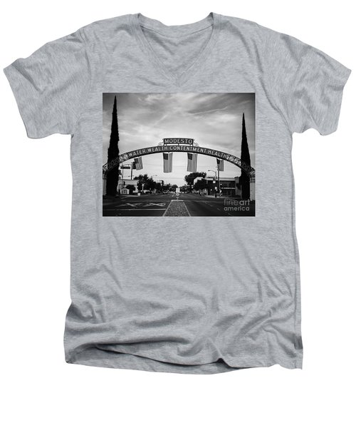 Modesto Arch With Flags Men's V-Neck T-Shirt