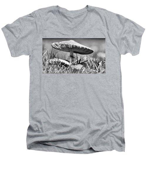 Mushroom In Black And White Men's V-Neck T-Shirt