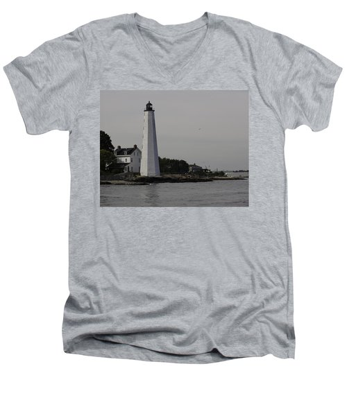 New London Light Men's V-Neck T-Shirt