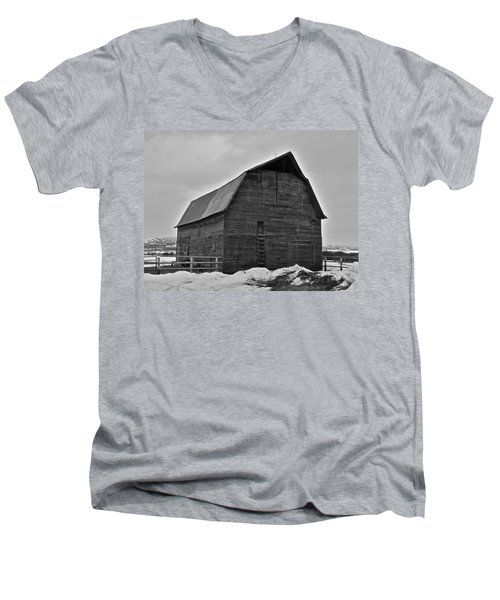 Men's V-Neck T-Shirt featuring the photograph Noble Barn by Eric Tressler