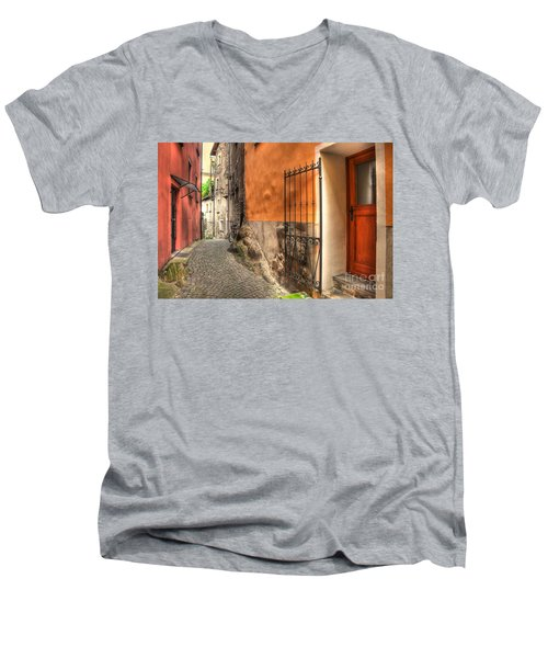 Old Colorful Rustic Alley Men's V-Neck T-Shirt