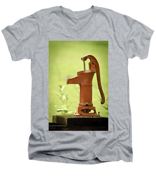 Old Fashioned Water Pump Men's V-Neck T-Shirt
