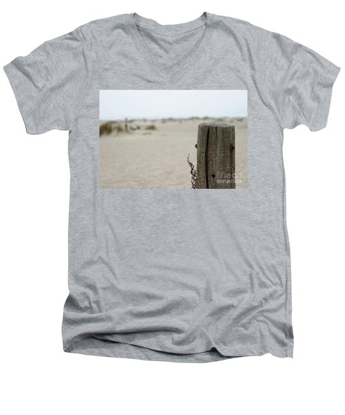 Old Fence Pole Men's V-Neck T-Shirt