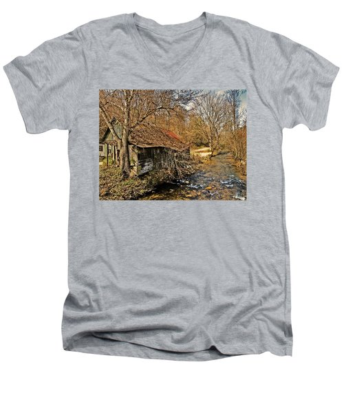 Old Home On A River Men's V-Neck T-Shirt