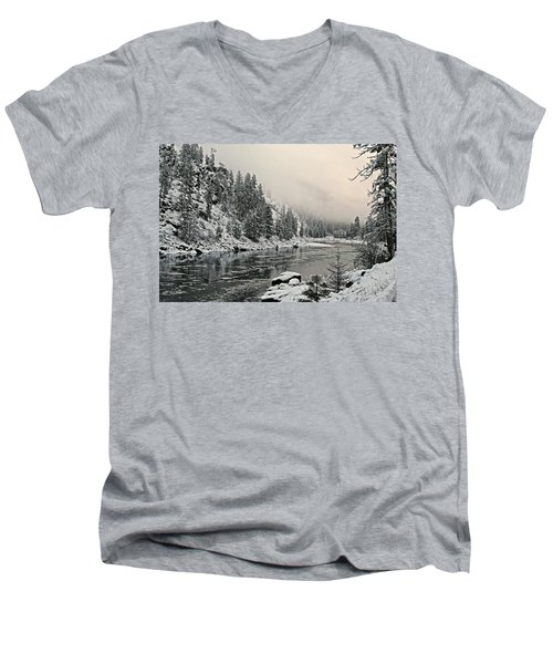 Orofino Snow Clearwater River Men's V-Neck T-Shirt