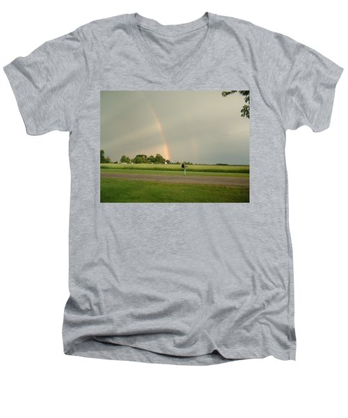 Men's V-Neck T-Shirt featuring the photograph Ray Bow by Bonfire Photography