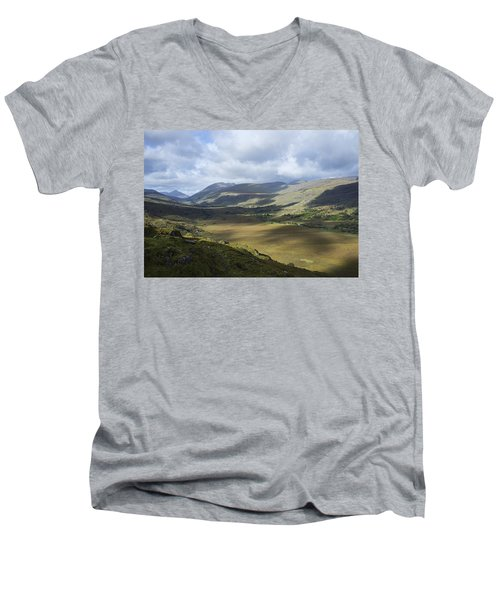 Men's V-Neck T-Shirt featuring the photograph Ring Of Dingle by Hugh Smith