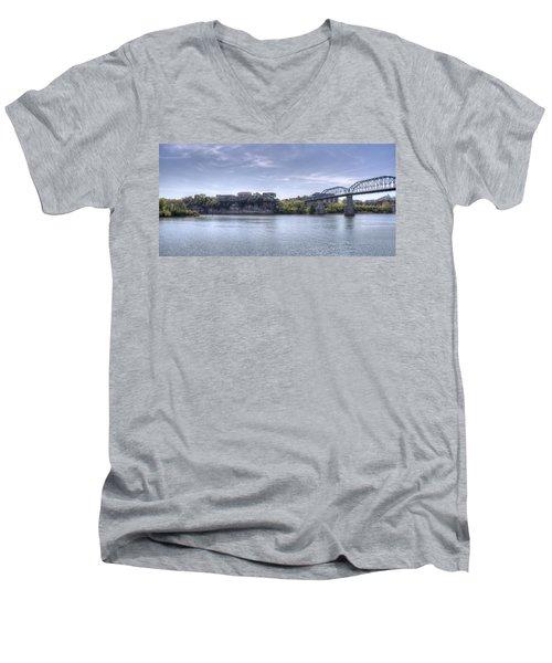 River Bluff Men's V-Neck T-Shirt