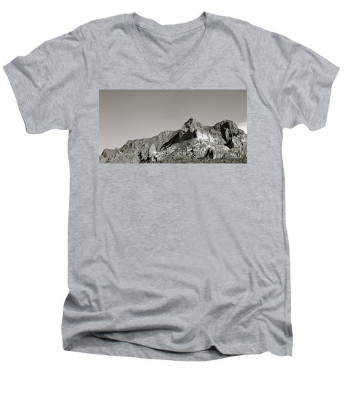 Salt River Black And White Men's V-Neck T-Shirt