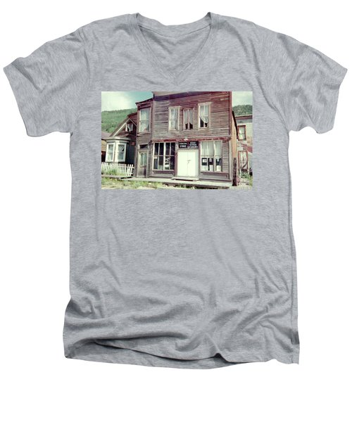 Men's V-Neck T-Shirt featuring the photograph Stark Bros Store by Bonfire Photography
