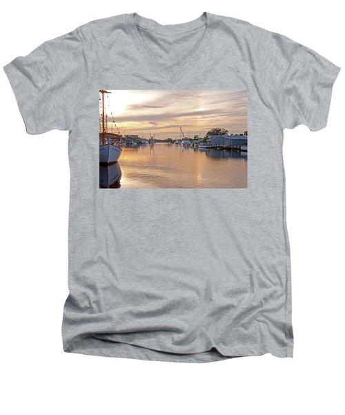 Tarpon Springs Sunset Men's V-Neck T-Shirt