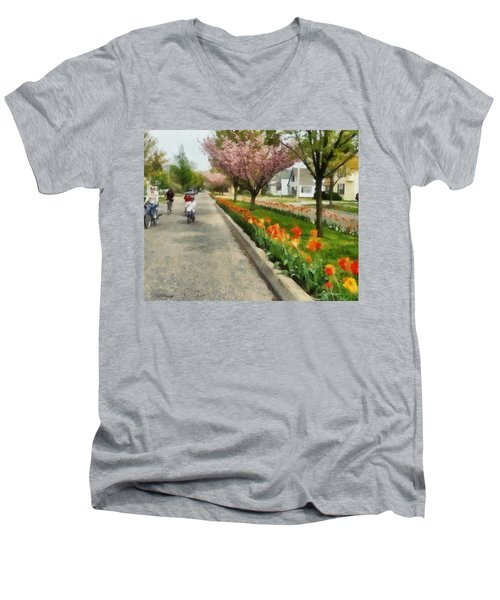 Tulips On The Boulevard Holland Michigan Men's V-Neck T-Shirt