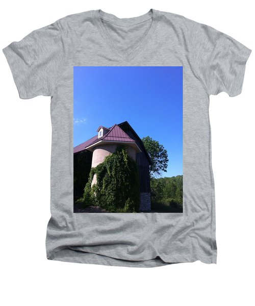 Men's V-Neck T-Shirt featuring the photograph Vineyard by Tiffany Erdman