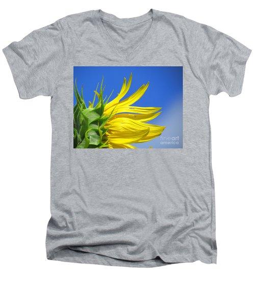 Waving Goodbye To Summer Men's V-Neck T-Shirt