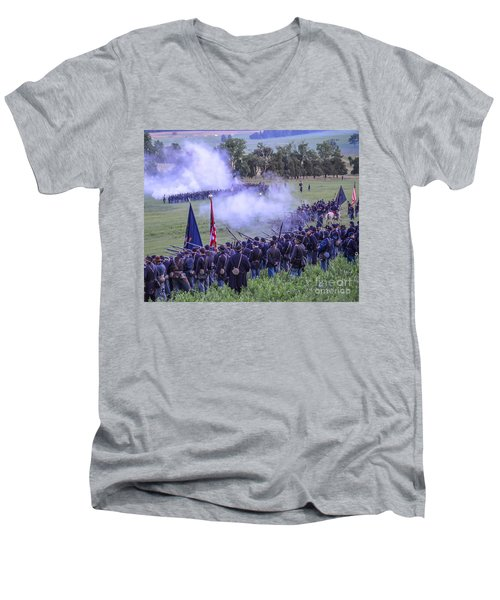 Gettysburg Union Artillery And Infantry 7496c Men's V-Neck T-Shirt