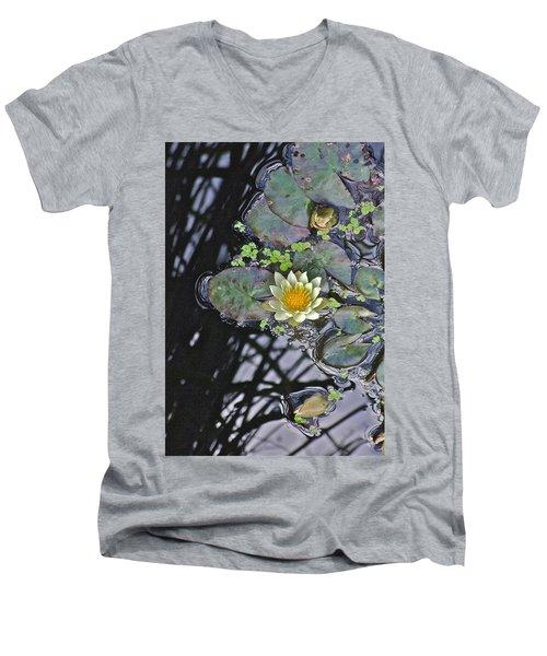 September White Water Lily Men's V-Neck T-Shirt