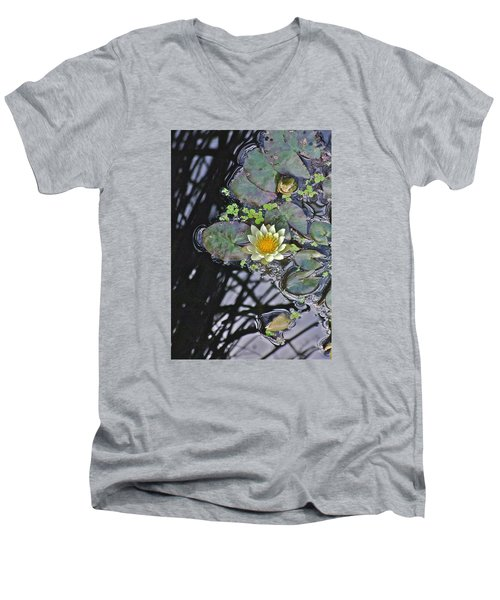 September White Water Lily Men's V-Neck T-Shirt
