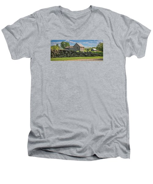 #0079 - Robert's Barn, New Hampshire Men's V-Neck T-Shirt