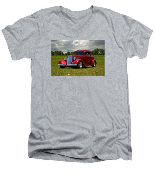 1933 Ford Vicky Hot Rod Men's V-Neck T-Shirt