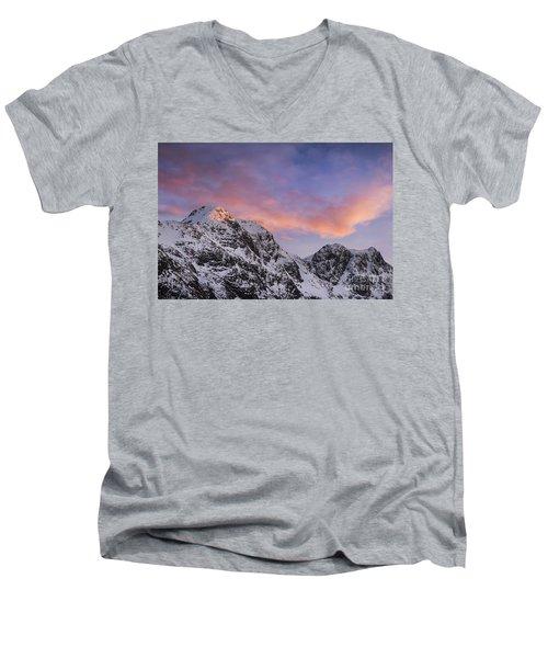 Bidean Nam Bian - Glen Coe Men's V-Neck T-Shirt