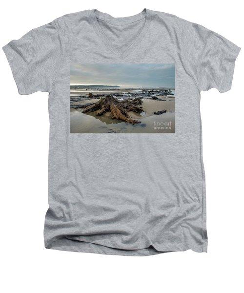Bronze Age Sunken Forest At Borth On The West Wales Coast Uk Men's V-Neck T-Shirt