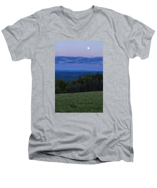 Men's V-Neck T-Shirt featuring the photograph East Dover Full Moon by Tom Singleton