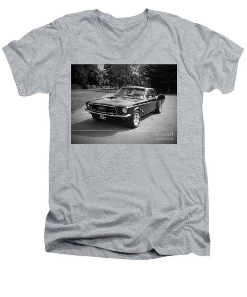 Ford Mustang Men's V-Neck T-Shirt