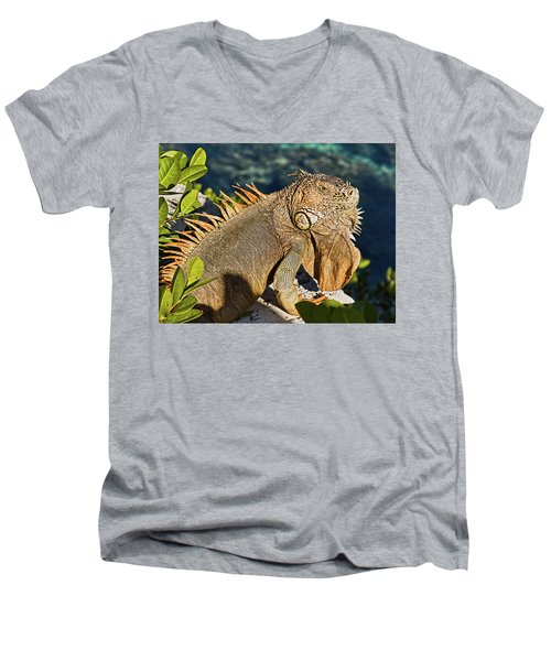 Giant Iguana Men's V-Neck T-Shirt