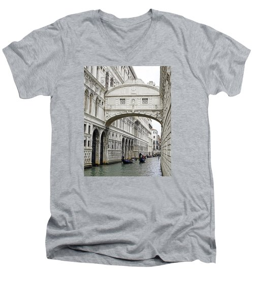 Gondolas Going Under The Bridge Of Sighs In Venice Italy Men's V-Neck T-Shirt
