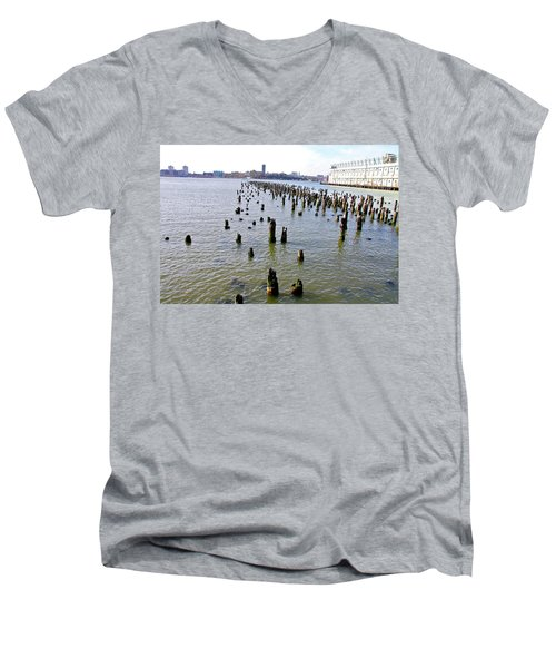 High Line Print 9 Men's V-Neck T-Shirt