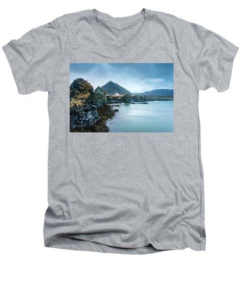 House On Ocean Cliff In Iceland Men's V-Neck T-Shirt