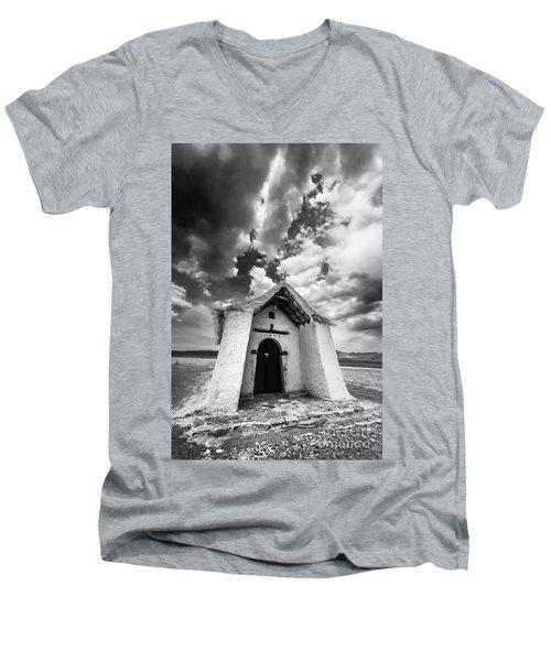 Isluga Church Men's V-Neck T-Shirt