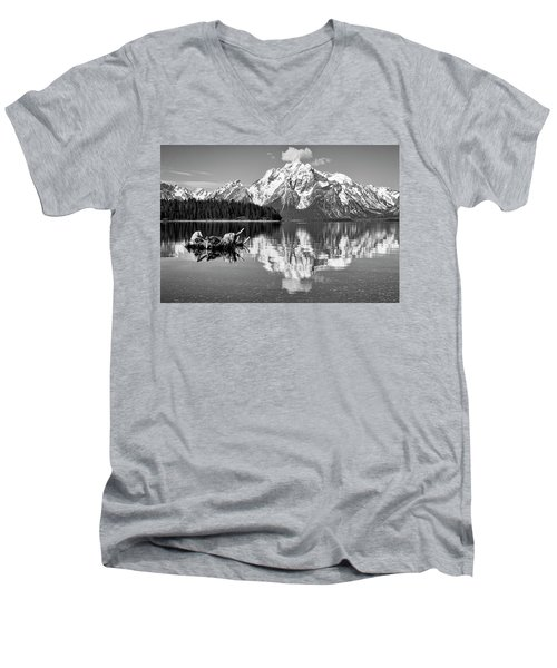 Jackson Lake, Gtnp  Men's V-Neck T-Shirt