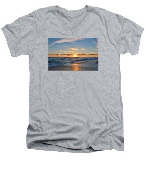 Kill Devil Hills Sunrise Men's V-Neck T-Shirt
