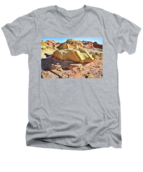 Morning In Wash 3 In Valley Of Fire Men's V-Neck T-Shirt