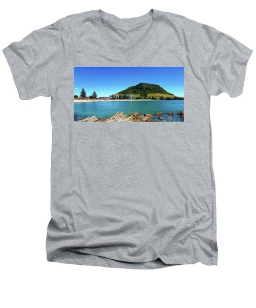 Mount Maunganui Beach 10 - Tauranga New Zealand Men's V-Neck T-Shirt