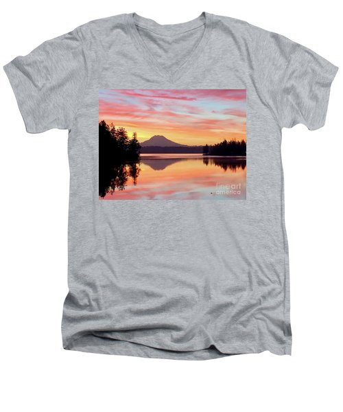 Mount Rainier Dawn Men's V-Neck T-Shirt