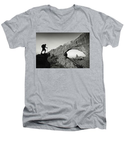 North Window Arch Men's V-Neck T-Shirt